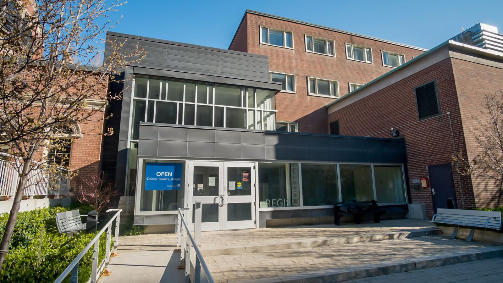 Regis College Home
